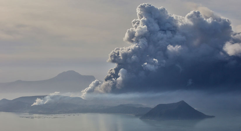 Taal Volcano 011720 - Large-scale Taal Volcano eruption not ruled out