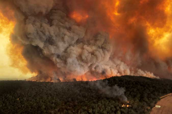bushfires Australia 010820 - UN chief urges leaders of every country to declare 'climate emergency'