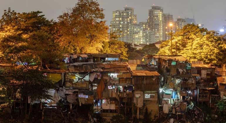 slum area - Philippines still a lower-middle income economy — World Bank