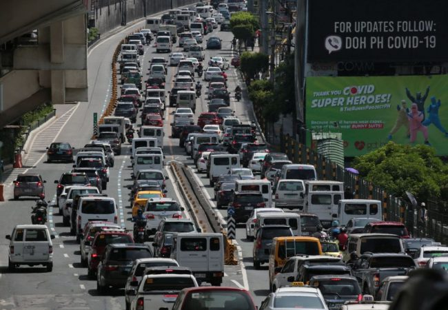 TRAFFIC MANDALUYONG 10 VARCAS 240620 e1603621741522 - Insurers evaluating pay-per-use, small payments as users tighten belts