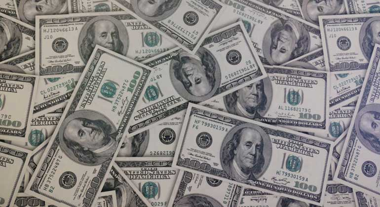 dollar currency - What investors with $3.4 trillion are buying during COVID