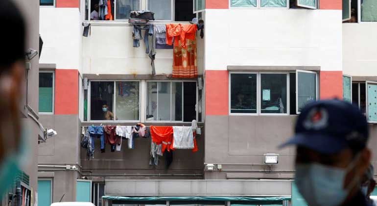Singapore's poorest stay in lockdown while others move freely - BusinessWorld Online
