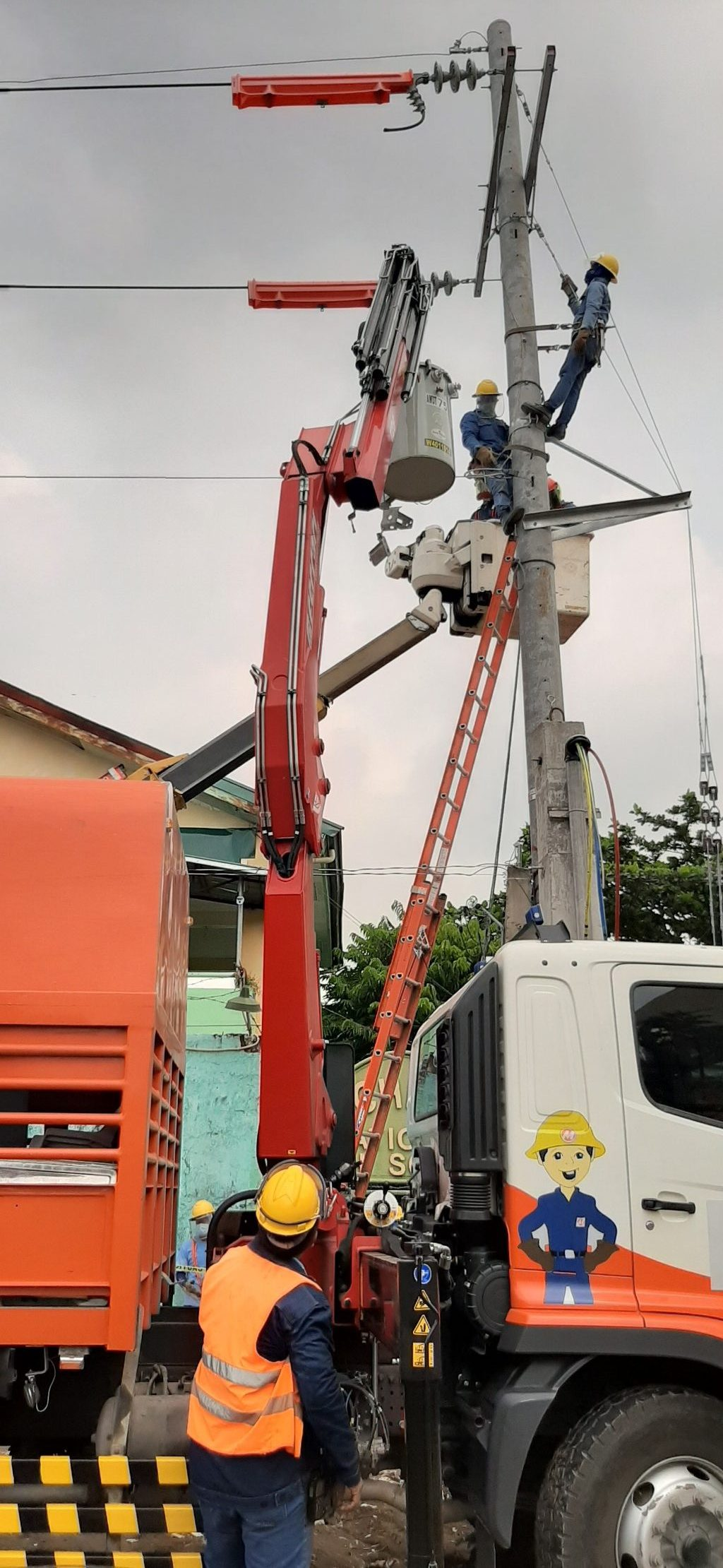 Calamba 3 rotated e1601963538774 - Meralco powers up province of Laguna's reinforced COVID-19 response