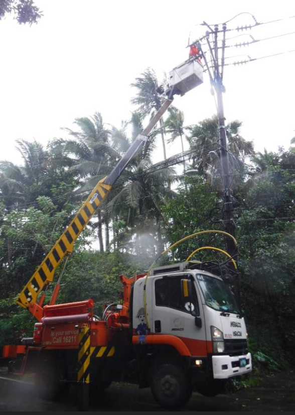 Meralco Restoration Workds 2 - Meralco works round-the-clock to restore power in typhoon-hit areas
