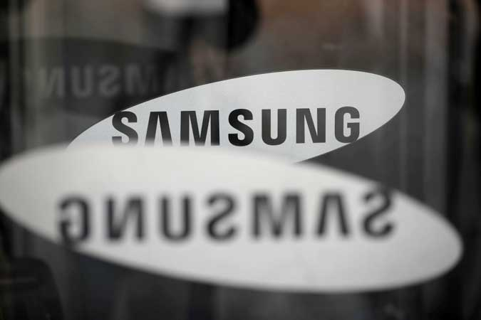 Samsung - Samsung may launch flagship phone early to grab Huawei share