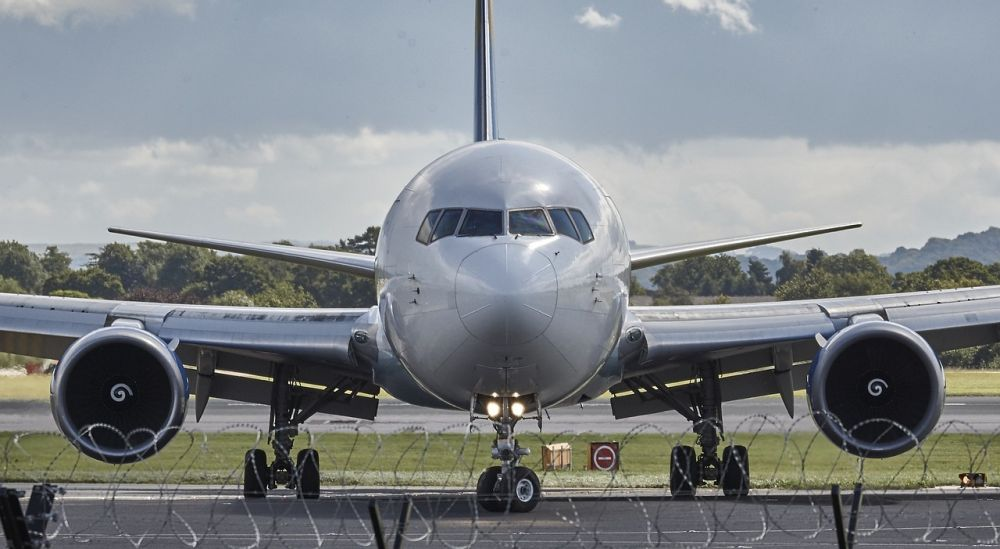 aircraft plane - Air freight prices 'outrageous' as COVID-19 shots rolled out, says WHO expert