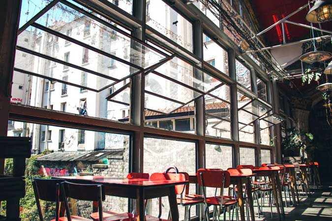 open windows restaurant - 5 tips for ventilation to reduce COVID risk at home and work